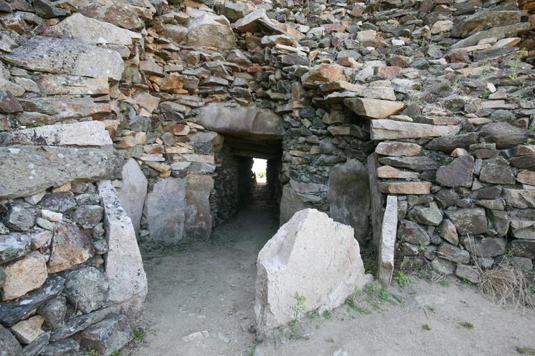France, Bretagne, finistere nord, cairn de barnenez, plouezoc'h pres de morlaix, sepulture, megalithes, archeologie,. Image shot 2009. Exact date unknown.