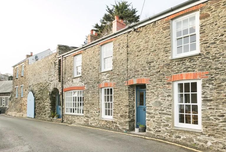Hillside Stone Cottage with Ocean View, Portloe