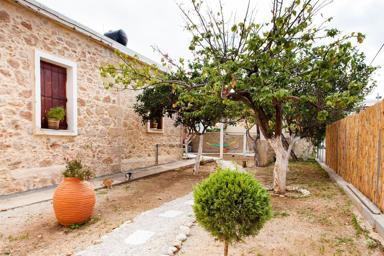 Modern and Retro Kissamos Guesthouse with Vegetable Garden, Crete