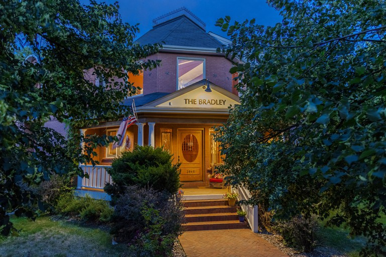Bradley Boulder Inn, Boulder