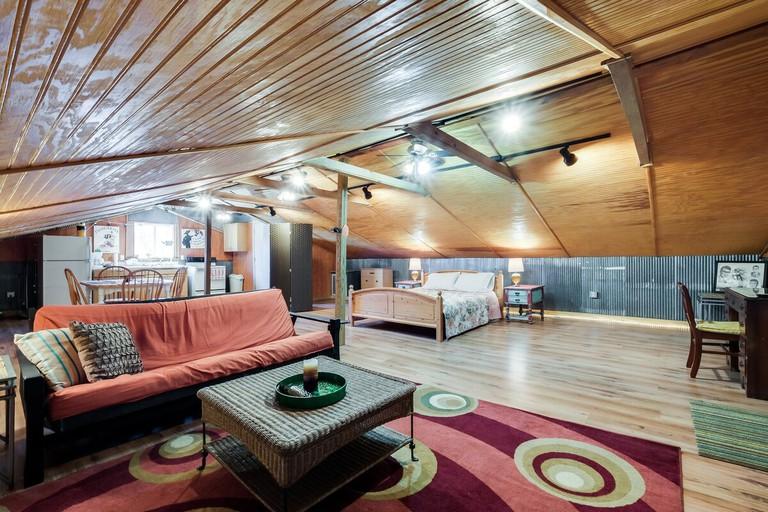 Cozy Lockeland Springs Private Loft, Nashville