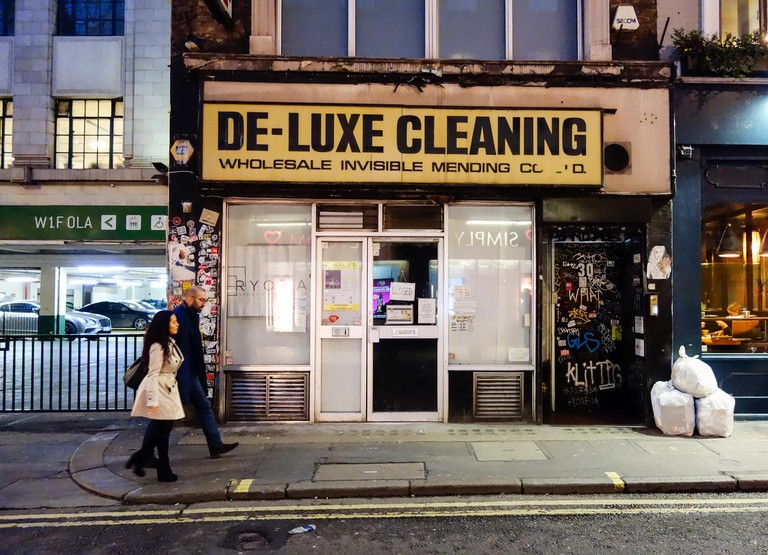 De-Luxe Cleaning, Wholesale Invisible Mending Co Ltd, Brewer Street, Soho, London, W1, UK
