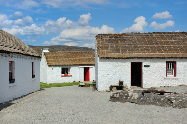 Ireland, County Donegal, Glencolumbkille (Glencolmcille), Folk village museum, Traditional thatched cottages