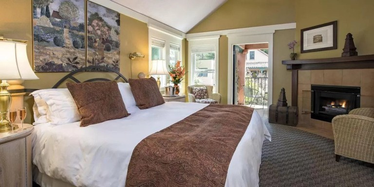 Applewood Inn & Spa