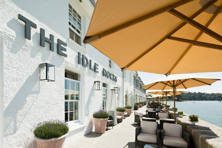 The terrace of The Idle Rock hotel in St. Mawes with a seaview (Cornwall, England)
