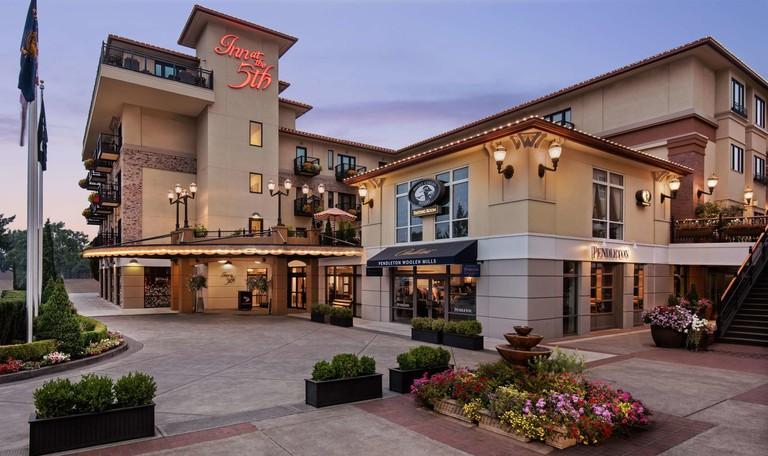 Inn at the 5th, Oregon
