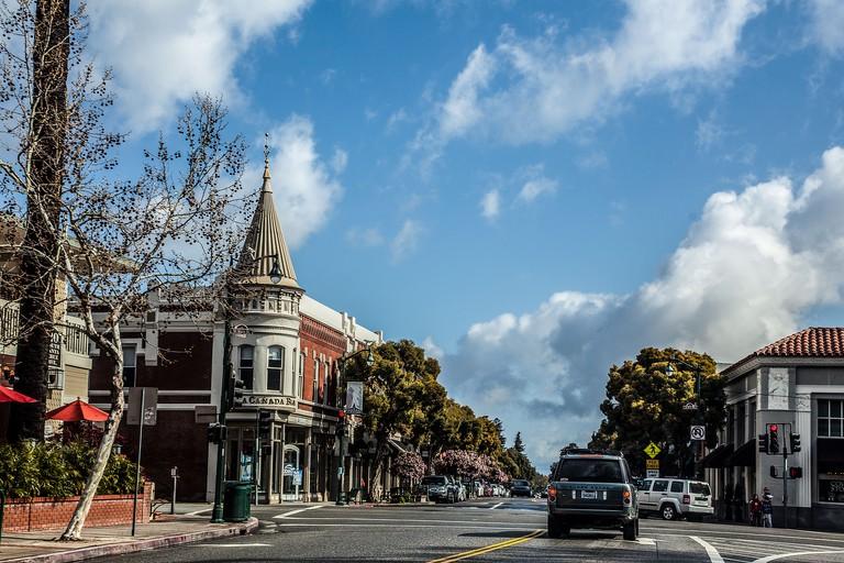 North Santa Cruz Avenue and Main Street in Los Gatos California