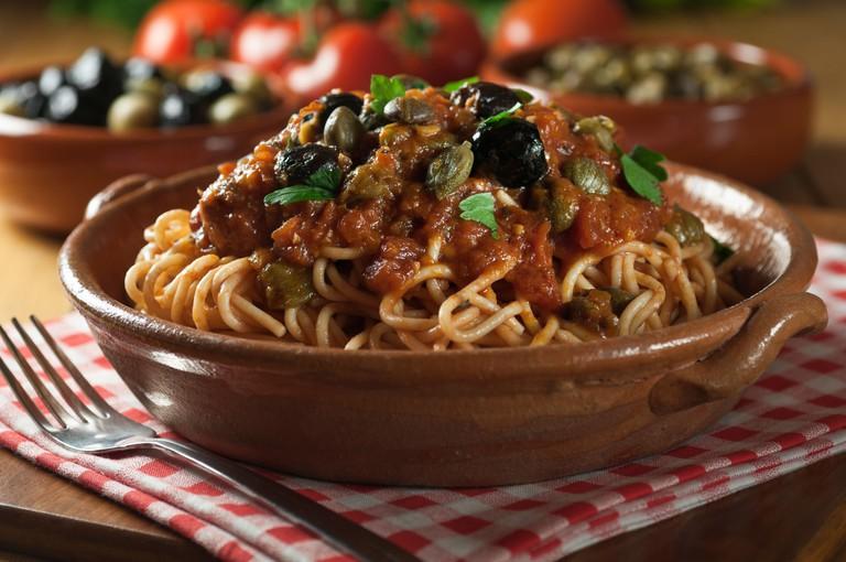 Spaghetti alla puttanesca Italian food