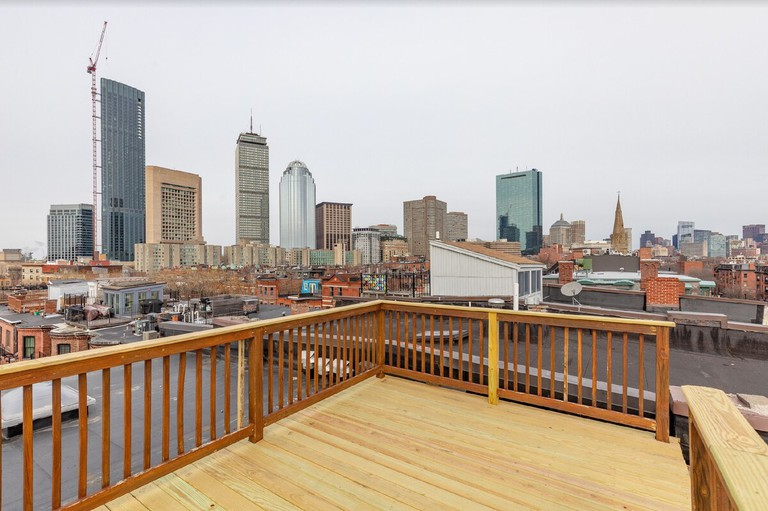Stunning South End 1BR - private roofdeck, Boston