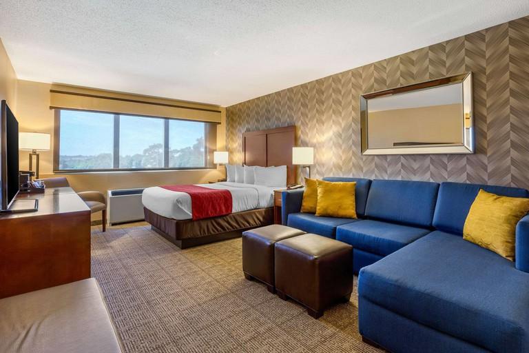 Comfort Inn & Suites Logan International Airport