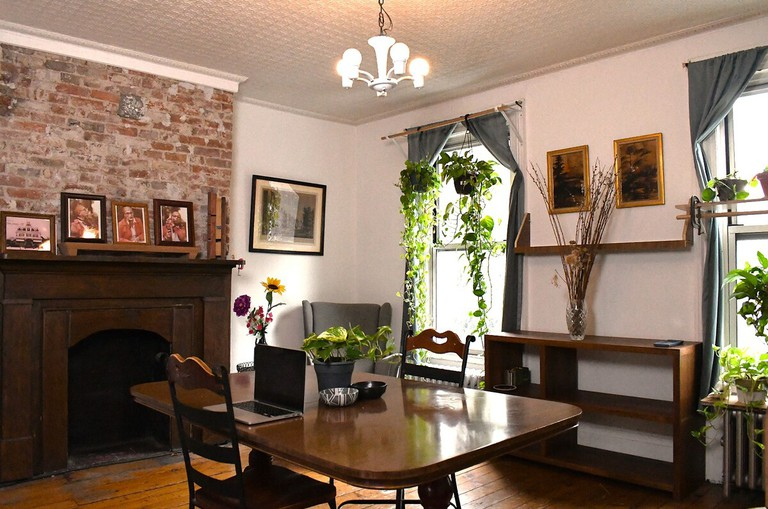 Classic, Spacious Greenpoint Apartment