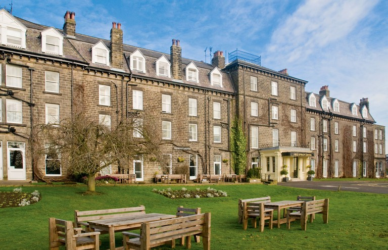 Classic Lodges - The Old Swan Hotel