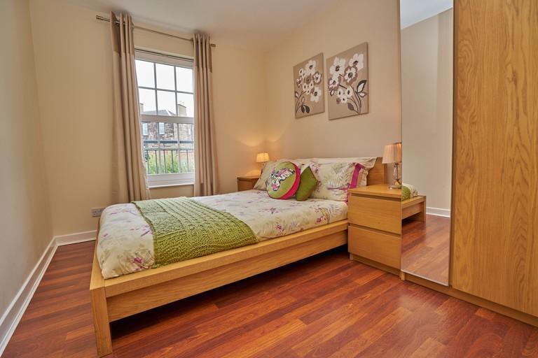Edinburgh Pearl Apartments, Dalry Gait