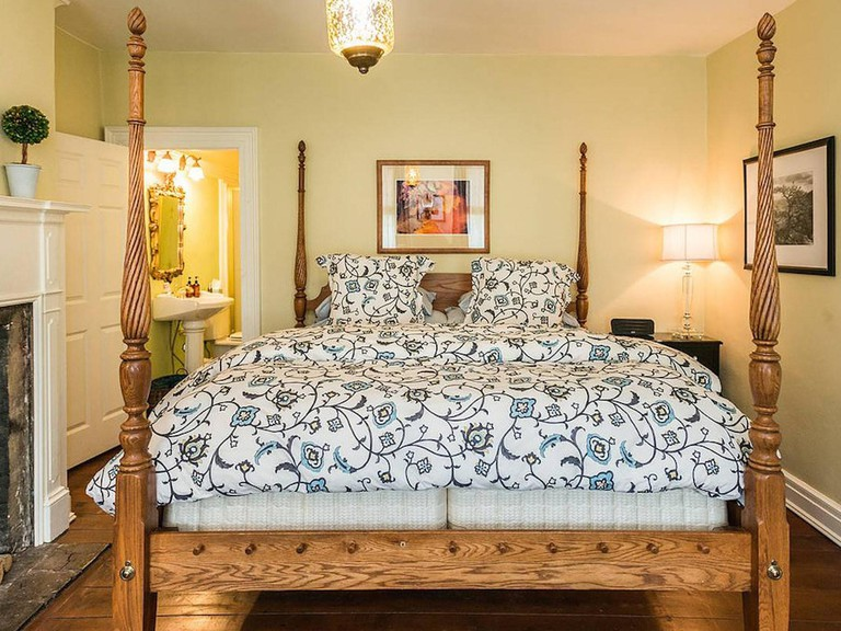 ElmRock Inn Bed and Breakfast