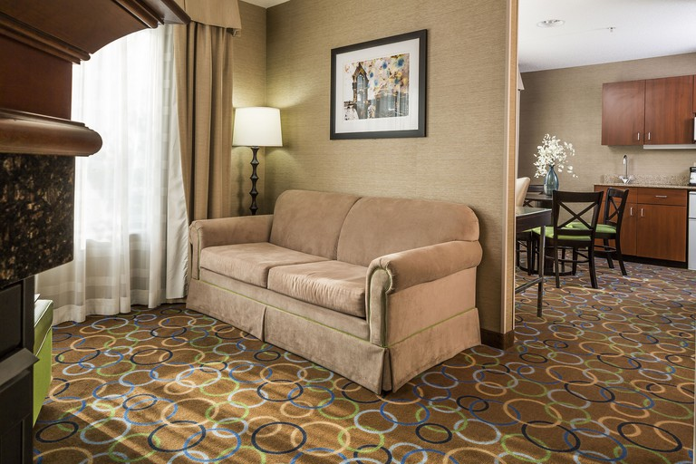 Holiday Inn Express and Suites Manchester