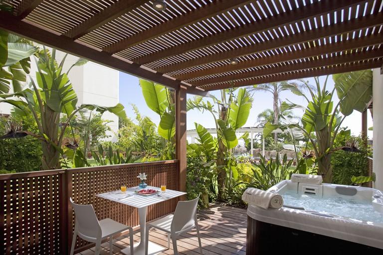 Capo Bay Hotel – Protaras