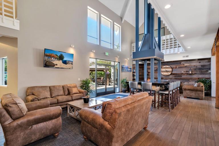 Beach Retreat & Lodge at Tahoe