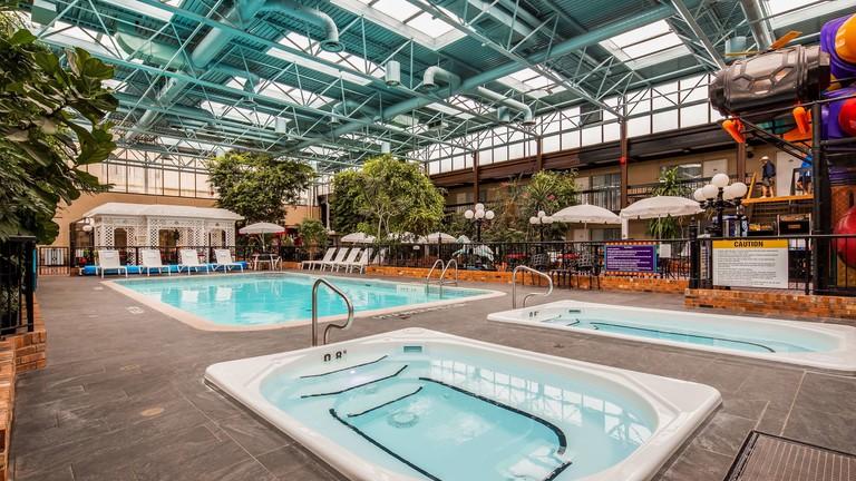 Best Western Plus Cairn Croft Hotel, Niagara Falls, Ontario