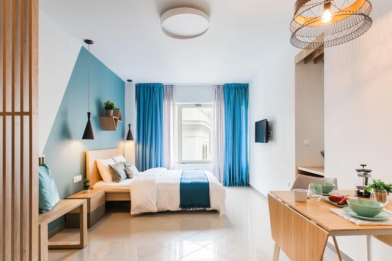 Dynasta Central Suites