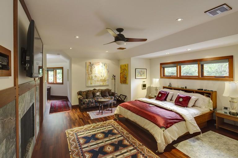 East Hampton Art House Bed & Breakfast