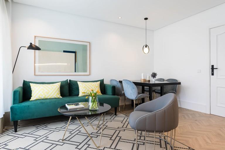 Feelathome Waldorf Suites Apartment