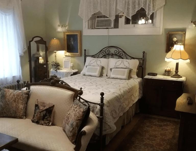 Hanover House Bed & Breakfast