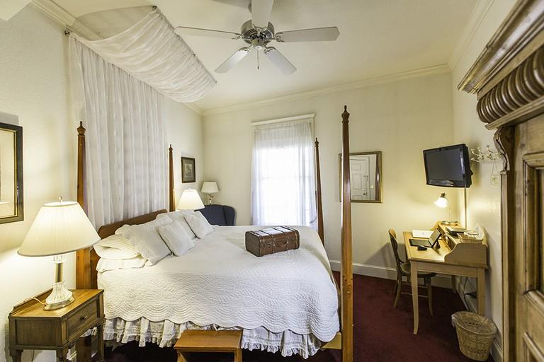 Currier Inn Bed & Breakfast
