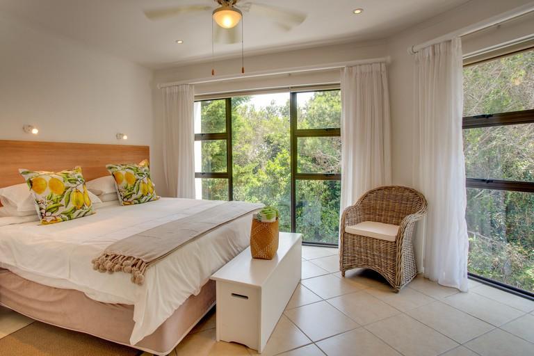Limoni Luxury Suites