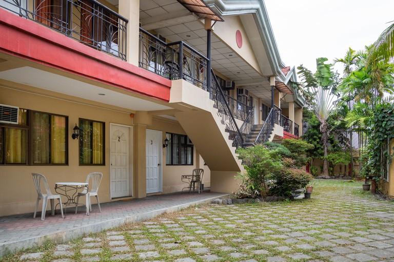 OYO 142 Golden Belle Apartelle & Suites, Phillipines