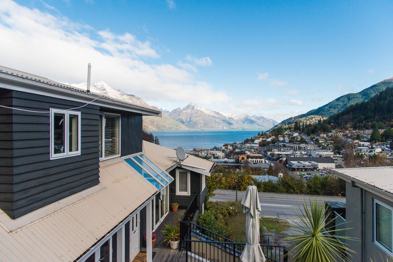 Queenstown House Boutique Bed and Breakfast & Villa Apartments