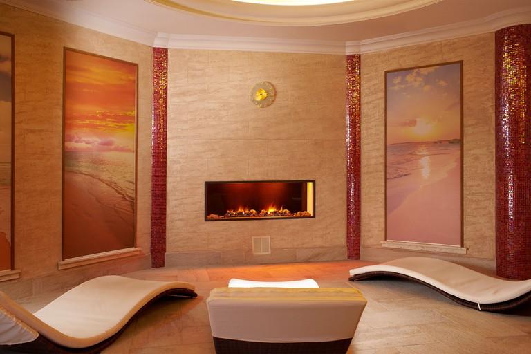 Retro Riverside Wellness Resort