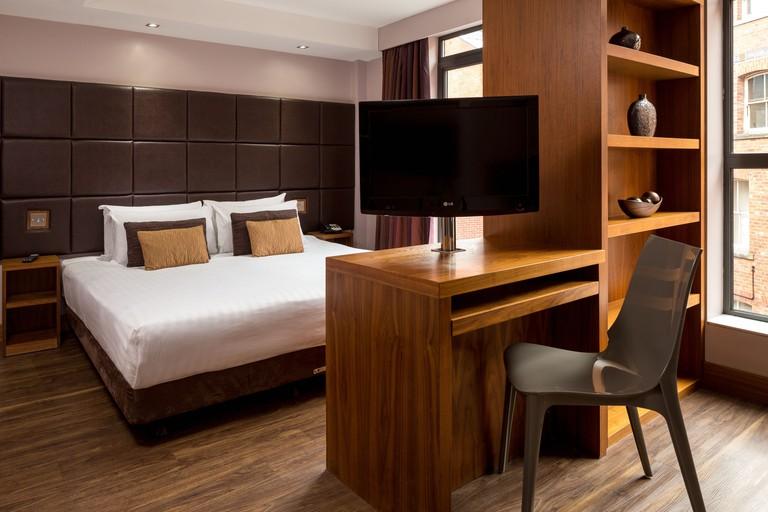 Roomzzz Leeds