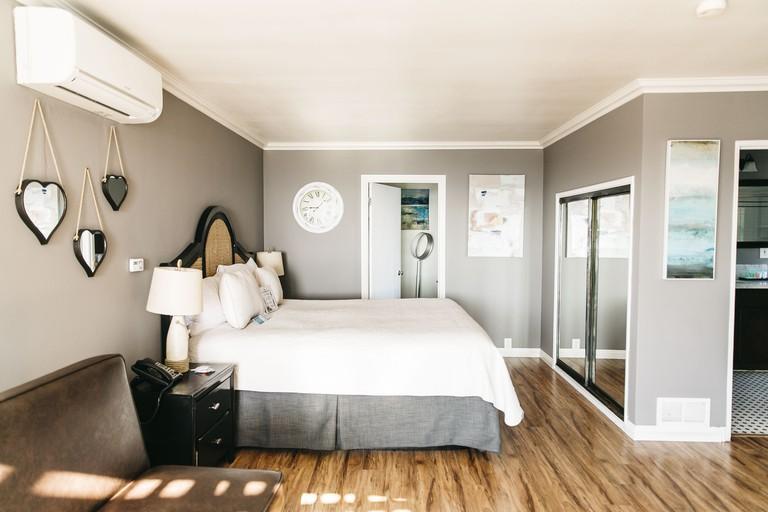 Seaside Laguna Inn & Suites Hotel