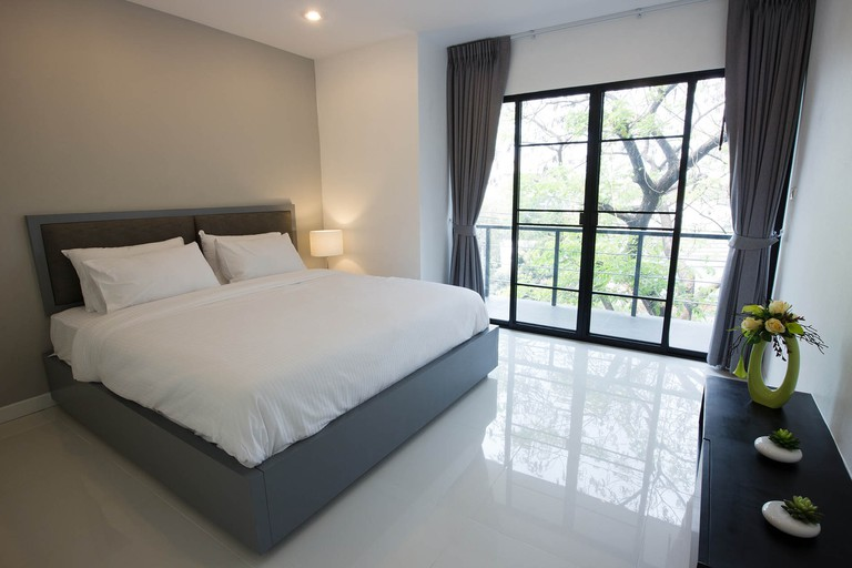 The Mirror Serviced Apartments