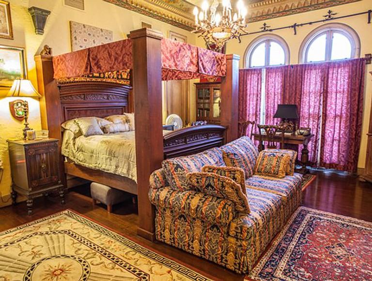 The Villa Inn Bed & Breakfast