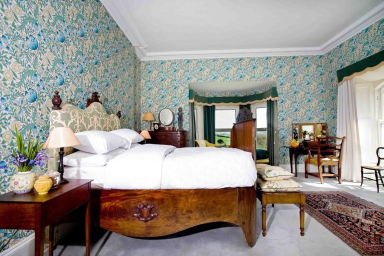 the-william-morris-bedroom-3-rossnaree.822.570.s