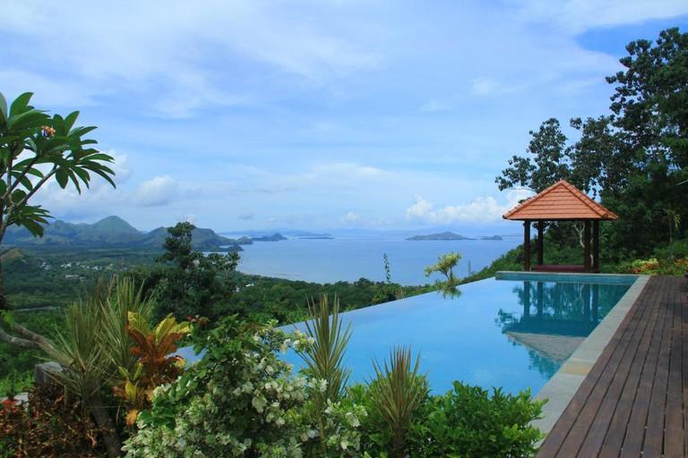 Villa Domanik, Indonesia