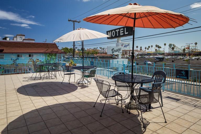 Aqua Breeze Inn