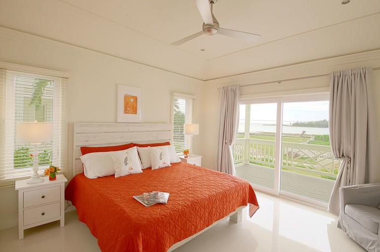 Anchor Point Apartments, Bahamas