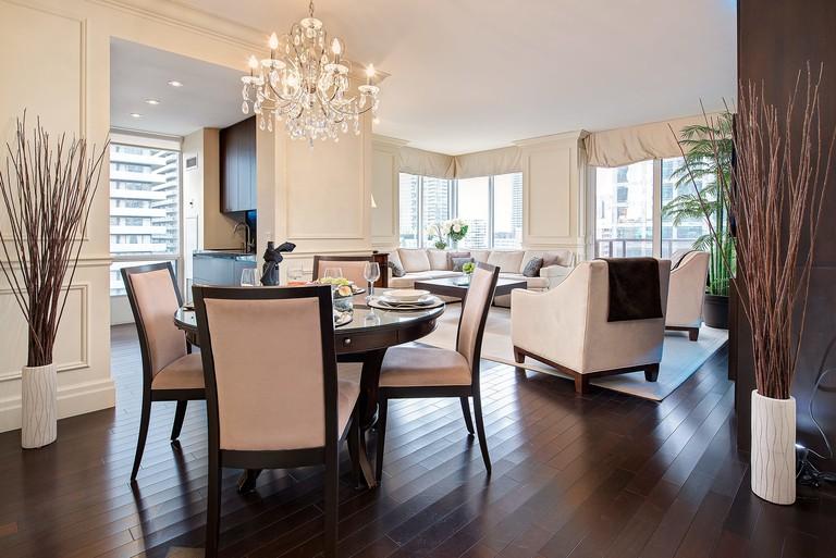 Sky Suites Yorkville, Toronto