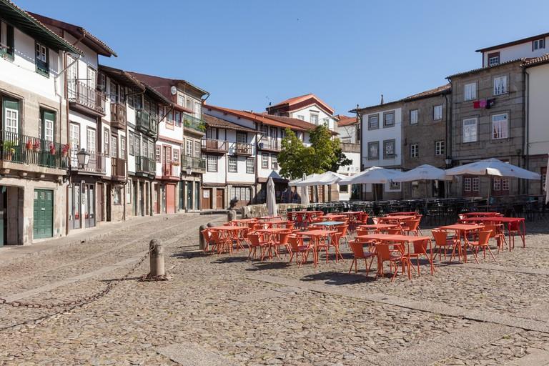 Largo de Sao Tiago, Guimaraes, Portugal