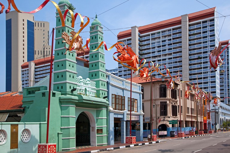 Masjid Jamae Mosque / Chulia Mosque with octagonal minarets at South Bridge Road in the Chinatown district of Singapore
