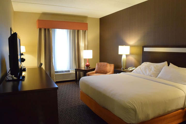 Holiday Inn Express Hotel & Suites Watertown Thousand Island