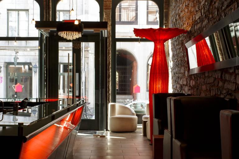Le Petit Hôtel & Café