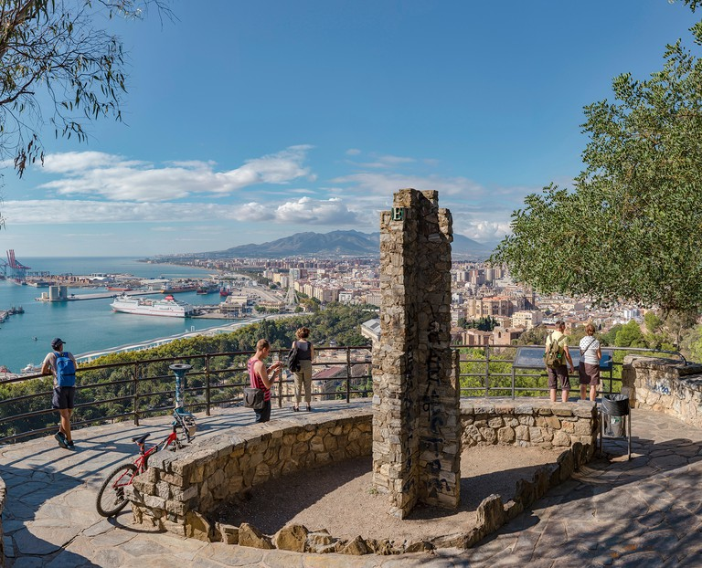 From the Alcazaba a view over the city and the port