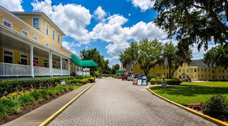 The historic Lakeside Inn and verandah in Mount Dora, Florida, USA on 23 May 2019