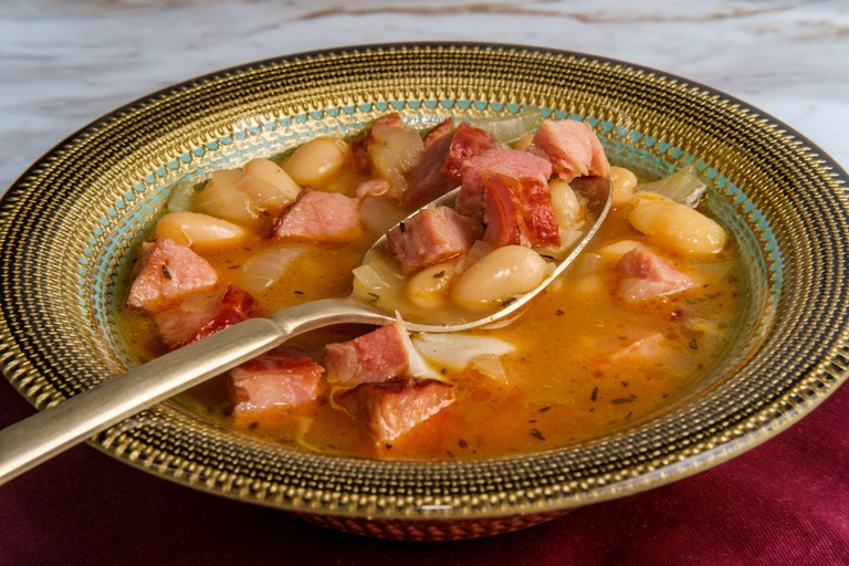 Simple slow-cooker ham and cannellini bean soup