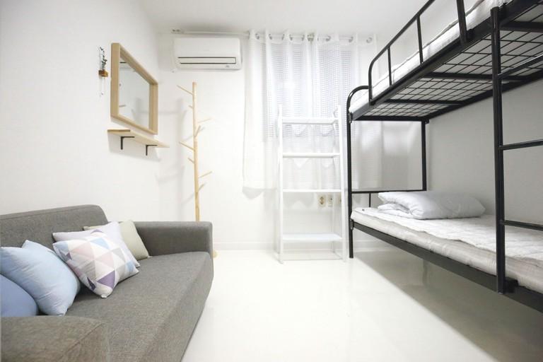 Zibro S Hostel