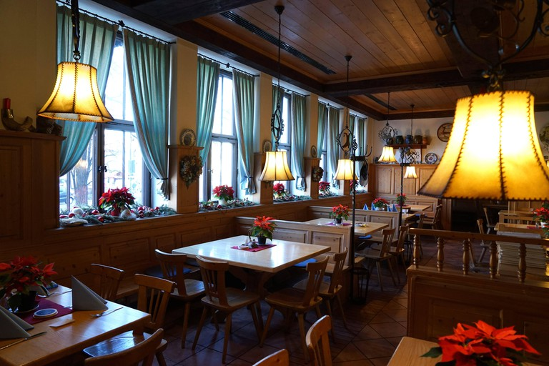 The traditional restaurant Braunauer Hof at FrauenstraBe 42. [automated translation]