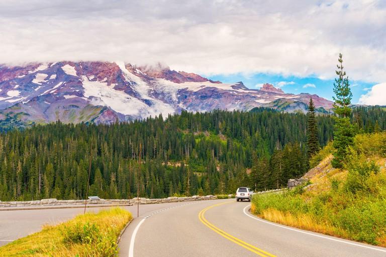 Road in Mount Rainier National Park, Washington 2B6N53Y